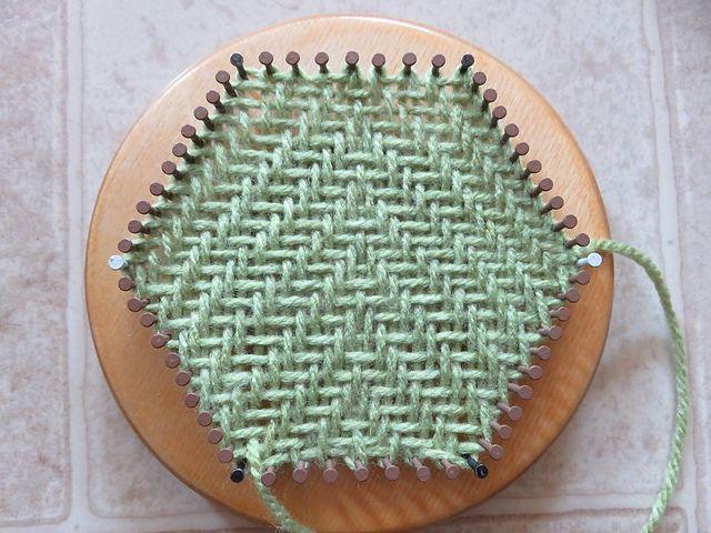 Ravelry: TexasGabi's TURTLE Hexagon Pin Loom: Twill Weaving
