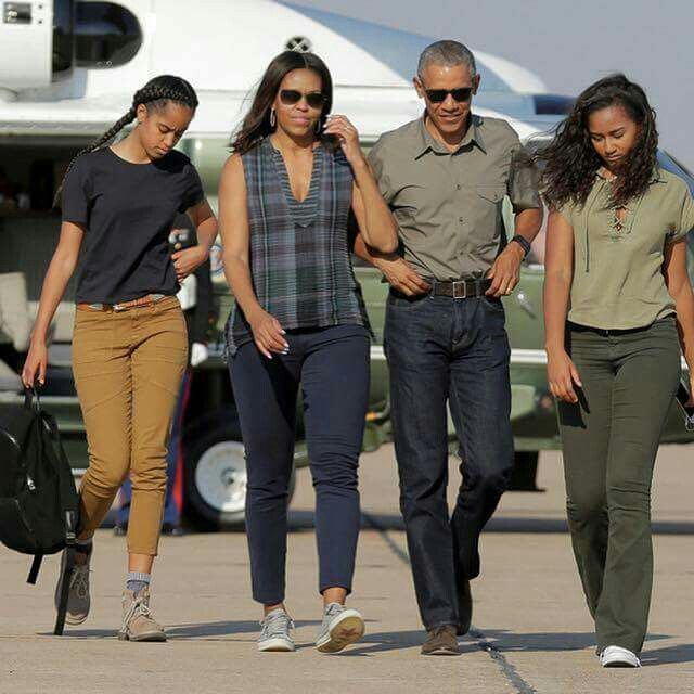 President Obama and First Lady Michelle Obama and daughters Sasha & Malia