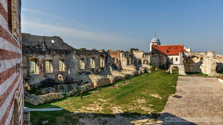 Janowiec » Zamek magnacki w Janowcu » MRACH Fotografie
