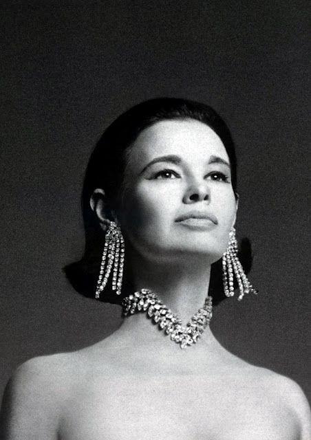 gloria vanderbilt by Scavullo #style #diamonds