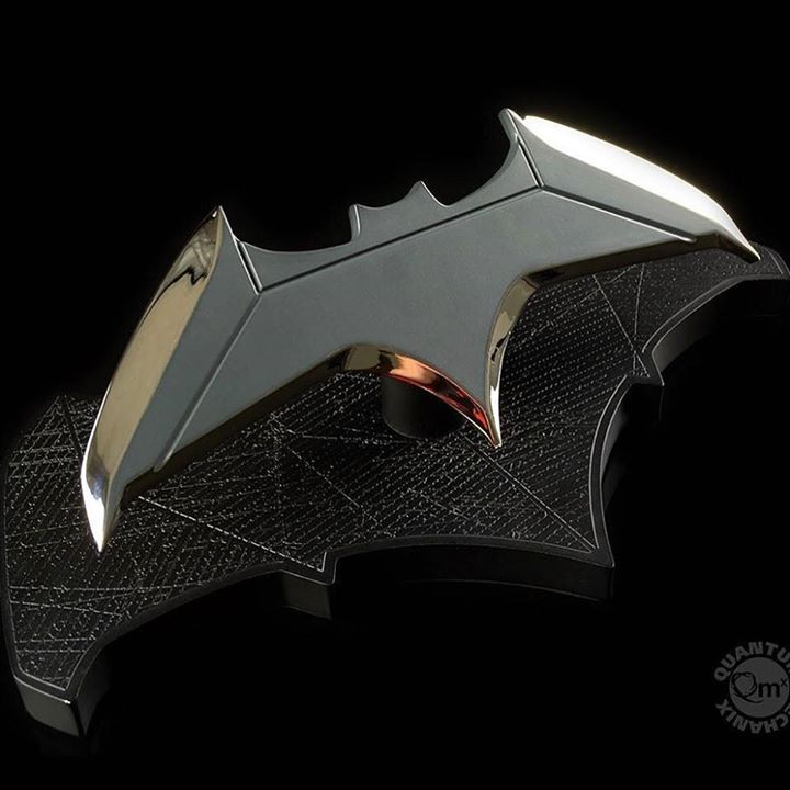 The Dark Knight never leaves home without his Batarang and neither should you! The Batman Batarang 1:1 Scale Replica is a must-have addition to your collection. Pre-order now @animegamistore http://ift.tt/2ib0eVb #batman #batarang #props #accessories #collectible #replica #dcmovies #dc http://ift.tt/2jltG8L