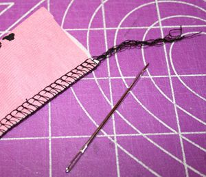 serger basics: overlock thread vs. regular thread, how to hide the serger thread tail, about differential feed