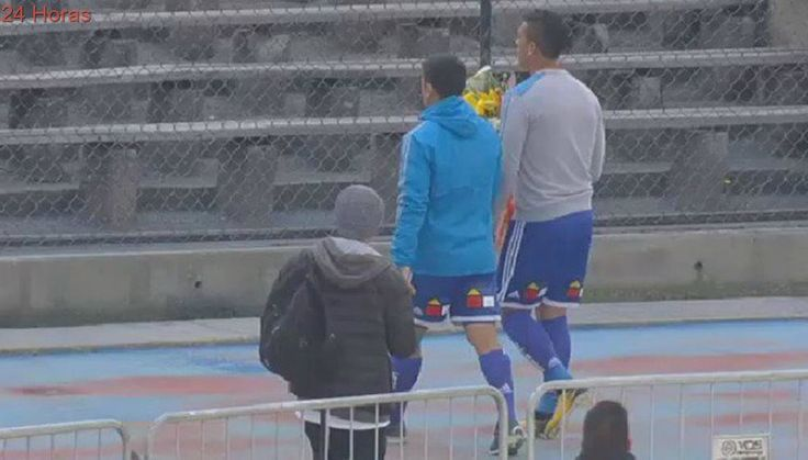 El homenaje de David Pizarro e Isaac Díaz en el Memorial del Estadio Nacional