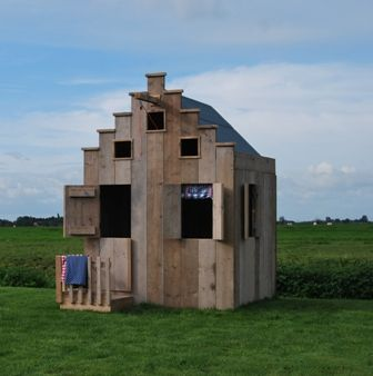 Typical Dutch canal house for kids, sold by saartjeprum.nl