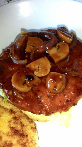 Burger daging saute mushroom: