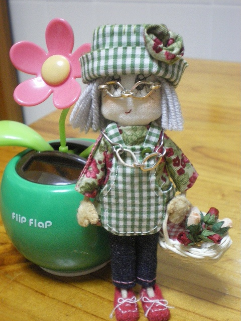 ANAFU, una susina jardinera de 11 cm llena de ternura...