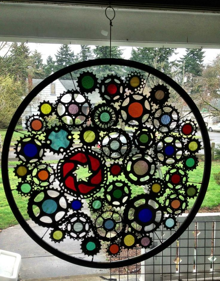 This artist from Portland, Oregon, uses reuse to create his art from bicycle parts...so beautiful !