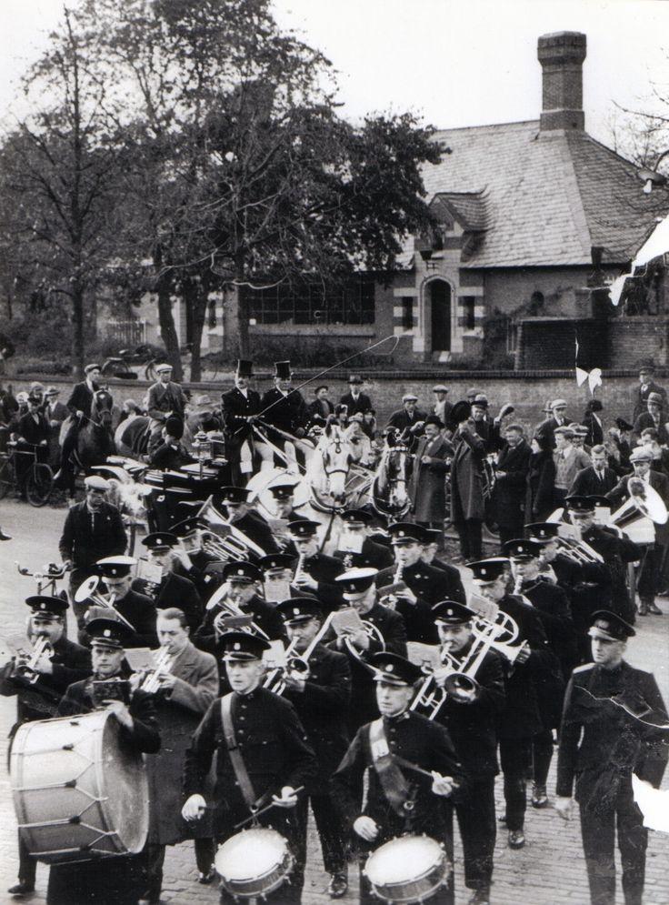 Vereniging Stad en Lande van Gooiland. Emil Luden, voorzitter van genoemde ''Erfgooiers vereniging'' werd in 1933 zeventig jaar. Dat werd groots gevierd, vooral door de scharende Erfgooiers. Meer dan 100 erfgooiers ruiters reden mee in de stoet.