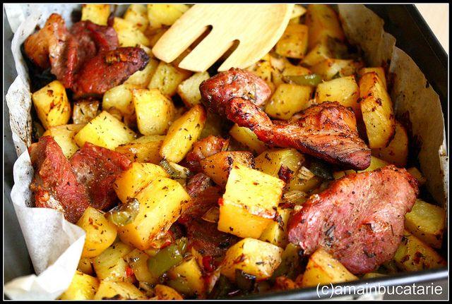 Friptura la cuptor cu cartofi aromati by amainbucatarie, via Flickr