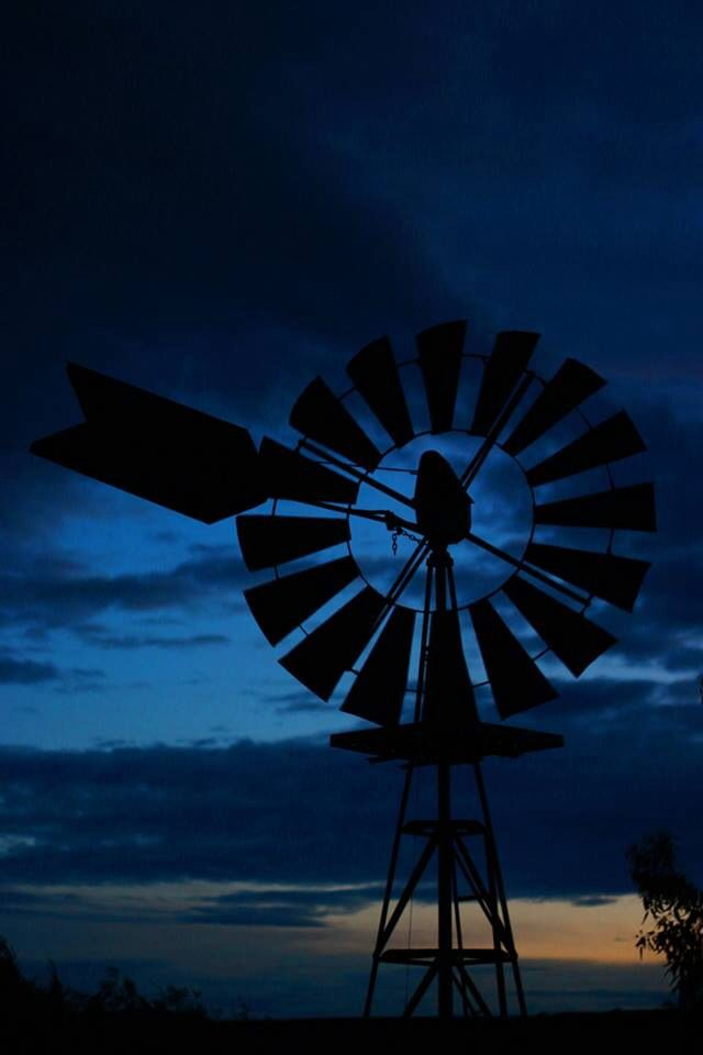 Beautiful windmill in Bacchus Marsh Photo by MK Photography