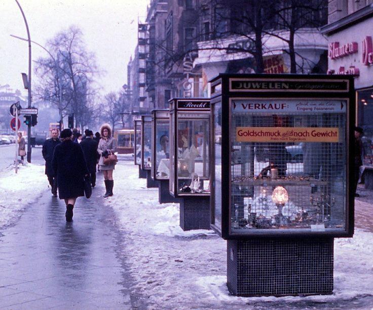 Der Kurfürstendamm im Winter, 1970 | So sah West-Berlin aus, als es von der Mauer umschlossen war