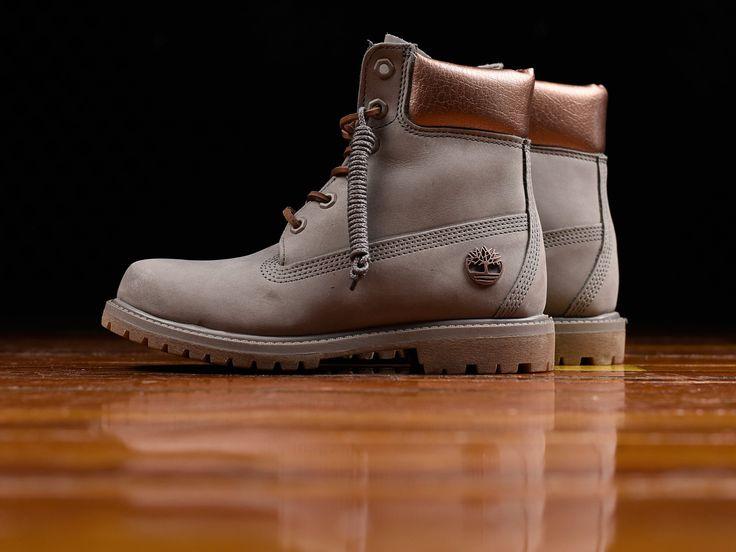 Women's Timberland 6 Inch Premium Boots [TB0A1JG8]