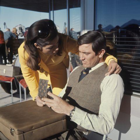 """James-Bond-Film """"Im Geheimdienst Ihrer Majestät"""" : Schilthorn und Bahn. Com_C17-087-001-003"""