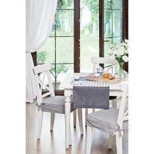 Checkered details in dining room. #dekoriapl #blue #chceckered #pattern #diningroom #spring #interior #furniture #design #spring