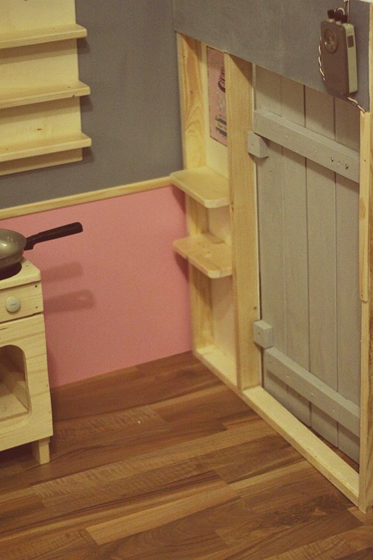 wundersch nen holzt r selber bauen einzigartige ideen zum sichtschutz. Black Bedroom Furniture Sets. Home Design Ideas