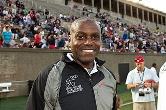 Carl Lewis - The Olympic gold medal winner maintains his belief that the best year of his track and field history is the first year he went vegan.: Track And Field, Famous Veggie