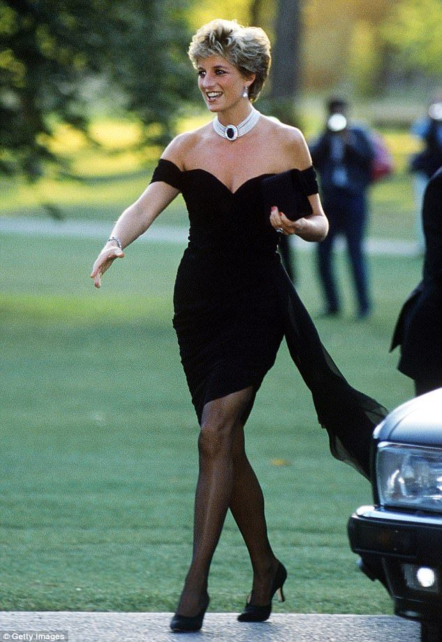 Clic Princess Diana In The Ultimate Little Black Dress 1994 A Style Still Popul