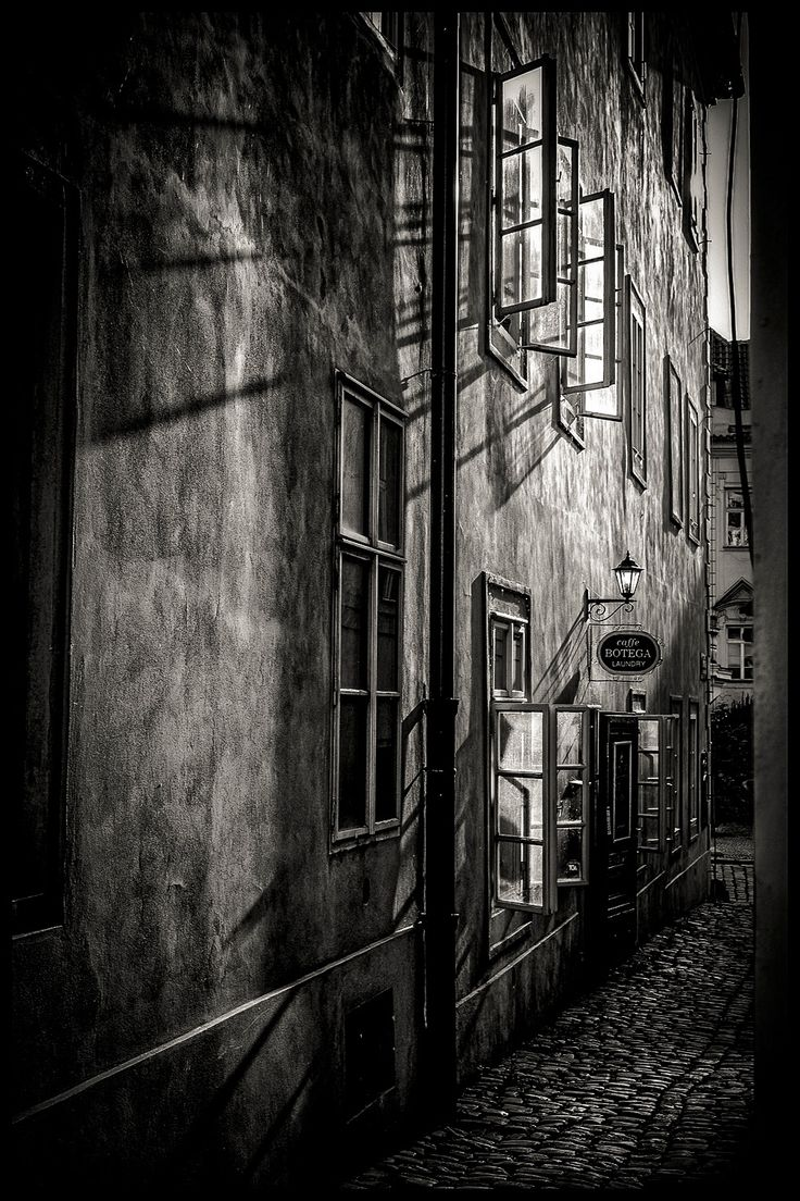 streets of Prague lll - null