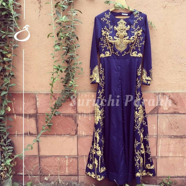 A lovely design embellished with such gorgeous and intricate handwork.  new collection  zardosi  instalike  instadaily  fashion  style  colorful  love  indianwear  wedding clothes  indian wedding  hand crafted  handmade withlove. 30 March 2017