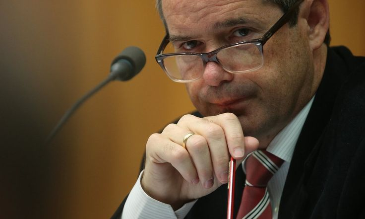 Raids on offices, including senator Stephen Conroy's, are understood to be in relation to alleged leaking of National Broadband Network documents