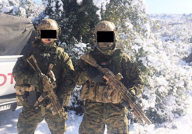 Russian Special Forces members in Syria Dec. of 2015/early Jan. of 2016. Note car reg. number. [1024x715]