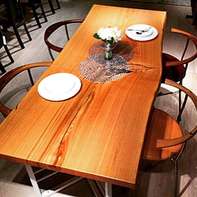 タモ一枚板 ブイスチール脚「WH」 pp701アームチェアー  #一枚板#タモ#ateliermokuba#関家具#ダイニング#リビング#家具#インテリア#ppチェアー#pp701#wood#woodslab#woodtable#liveedge#woodfurniture#furniture#スチール#椅子#チェアー#ダイニングテーブル#アトリエ木馬