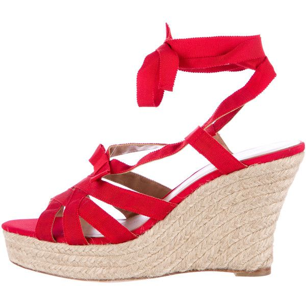 Pre-owned Oscar de la Renta Jute-Trimmed Wedge Sandals ($175) ❤ liked on Polyvore featuring shoes, sandals, red, wedge sandals, wedges shoes, red wedge shoes, red wedge heel shoes and pre owned shoes