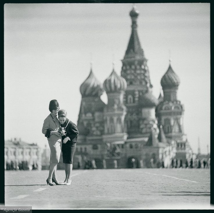 Modelki na Placu Czerwonym w Moskwie, 1960 r Tadeusz Rolke