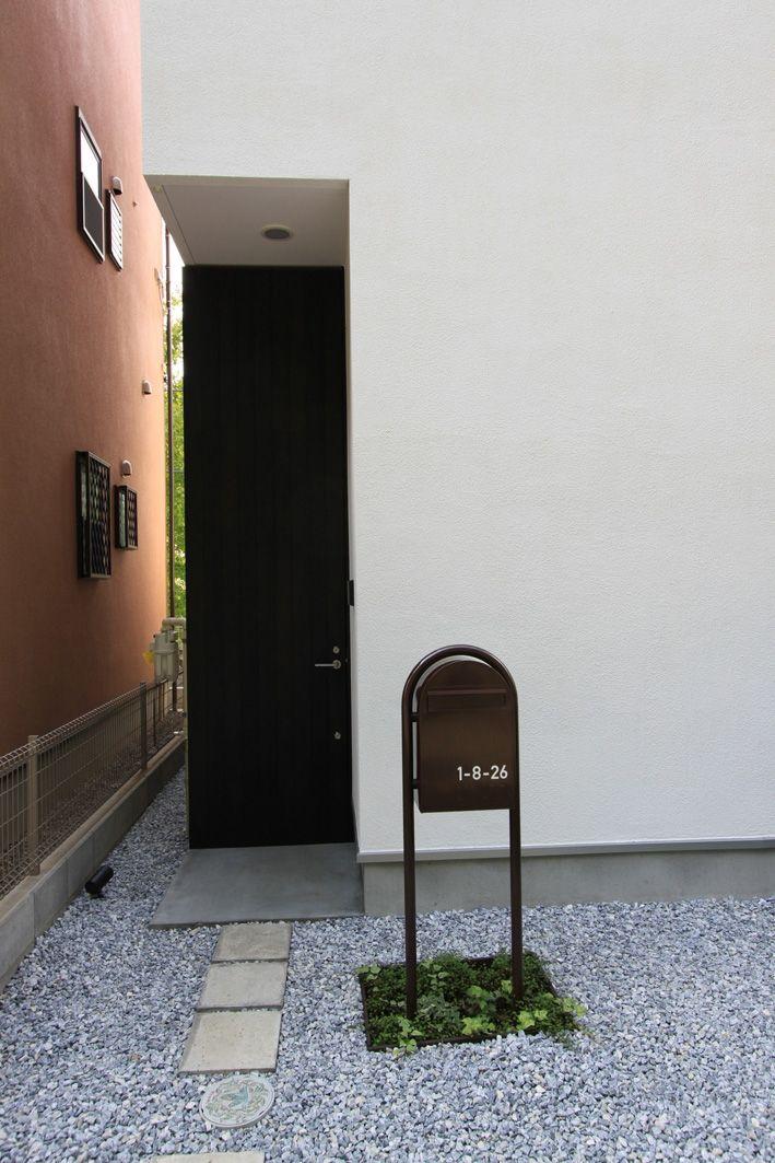 専門家:石川淳が手掛けた、高さ3mの玄関ドア(オウチ03・アトリエのあるスキップフロアの家)の詳細ページ。新築戸建、リフォーム、リノベーションの事例多数、SUVACO(スバコ)
