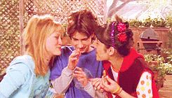 lizzie mcguire gif | Miranda Gordo and Lizzie McGuire Friends GIF