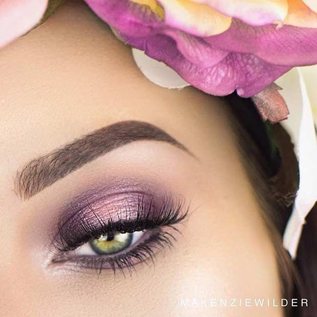 Easy Purple Eye Makeup Look for Green Eyes