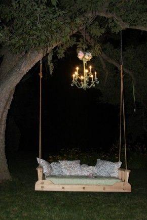 Wedding Bliss Simple Understated Wedding Nuptials| Serafini Amelia| Romantic Wedding Seating| Swing- lekker chil buiten