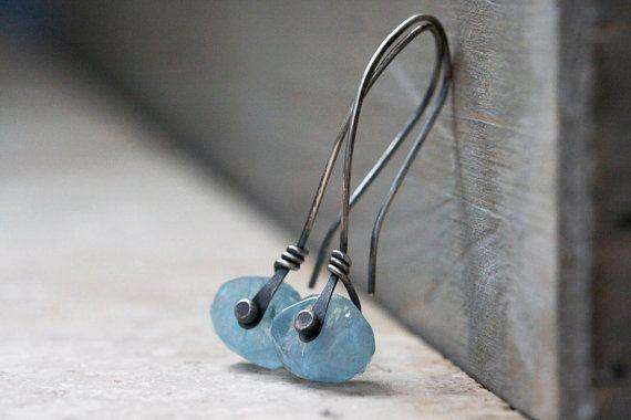 Rivetage rivet aiguemarine boucles d'oreilles par MaryAnneKarren