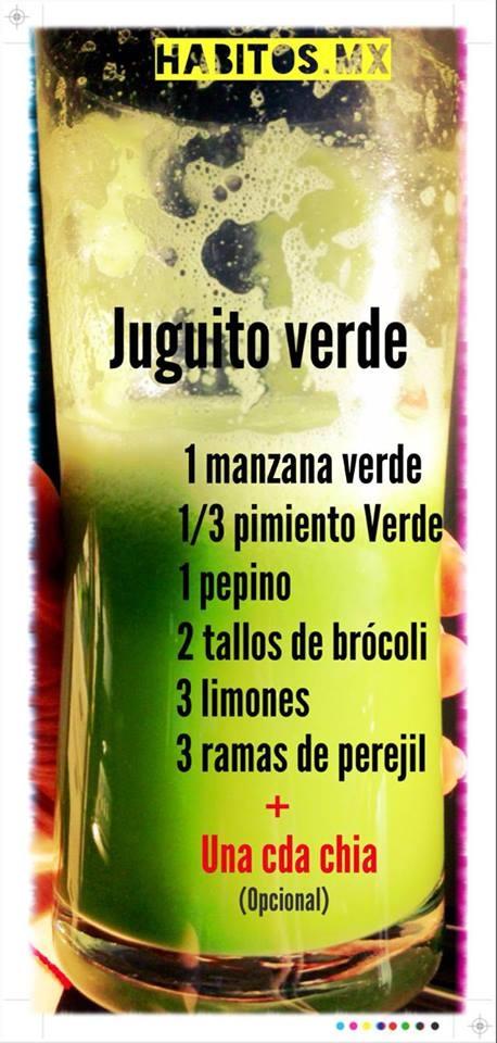 Jugo verde: manzana verde, pimiento verde, pepino, brócoli, limones, perejil y chía