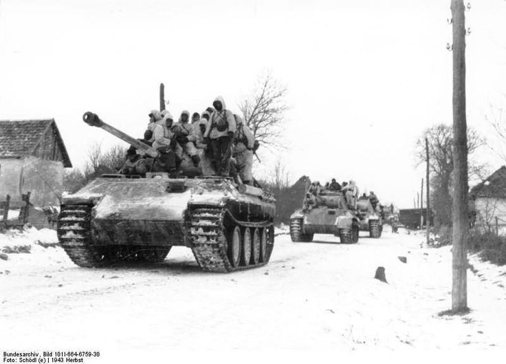 Panthers with panzergrenadiers on the snowy road, Eastern … | Flickr