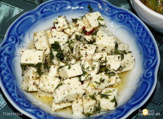 Маринованный сыр фета