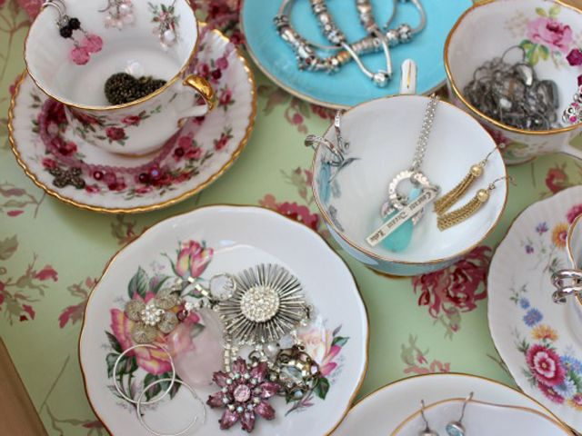 A collection of pretty tea cups to hold jewelry