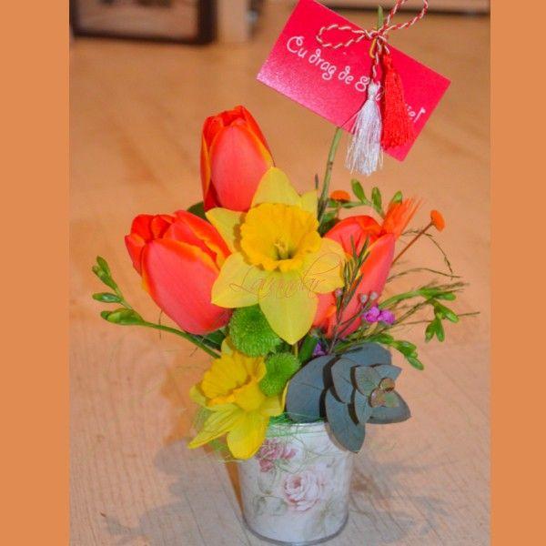 Mini ghiveci cu flori de primavara - 25 lei