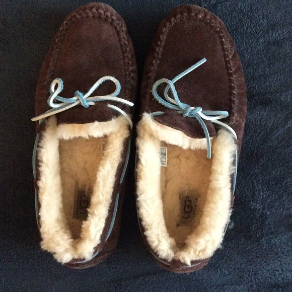 Ugg slippers Hardly worn Ugg slippers. These have a ton of life left in them; practically like new. UGG Shoes Slippers