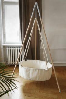 die 25 besten ideen zu wiege baby auf pinterest babywiege wiege und baby stubenwagen. Black Bedroom Furniture Sets. Home Design Ideas