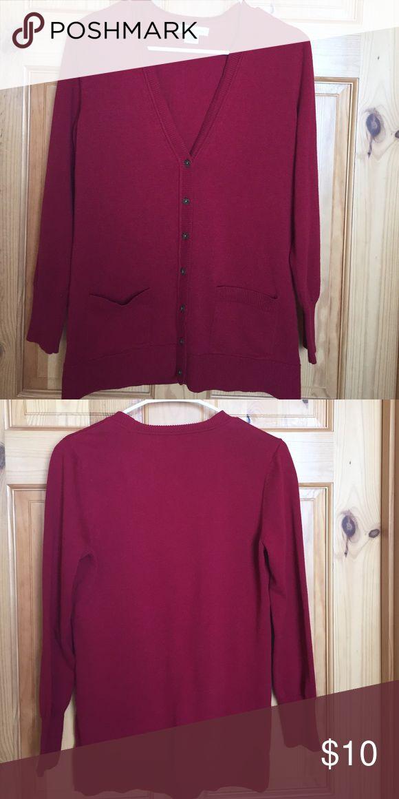 ❤️ Liz Claiborne sweater Very pretty Liz Claiborne cardigan sweater Liz Claiborne Sweaters Cardigans