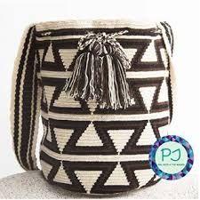 Resultado de imagen para estilos de mochila wayuu para  hombres