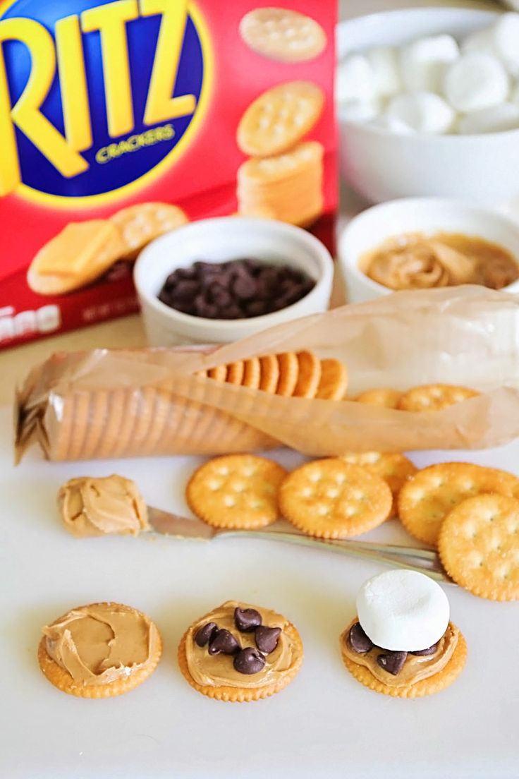 RITZ Peanut Butter S'mores... assembling, these are so easy!