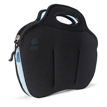 Η Built Charger Bag με τις έξι ασφαλείς θήκες, φτιαγμένες από σκληρό καουτσούκ (νεοπρένιο), και το δυνατό φερμουάρ κρατάει καλώδια και φορτι...