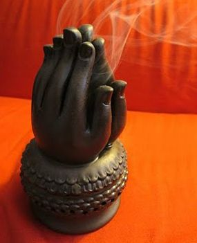 Incense holder, praying hands I NEED THIS NOW WHERE CAN I FIND THIS
