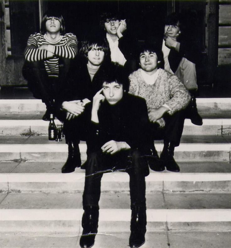 When I sat on the steps with Bob & The Byrds.