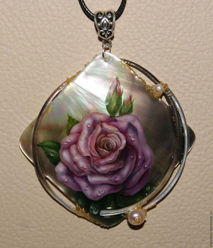 """Купить кулон """"Роза"""" - комбинированный, роза, перламутр натуральный, жемчуг натуральный, масляные краски, лак"""