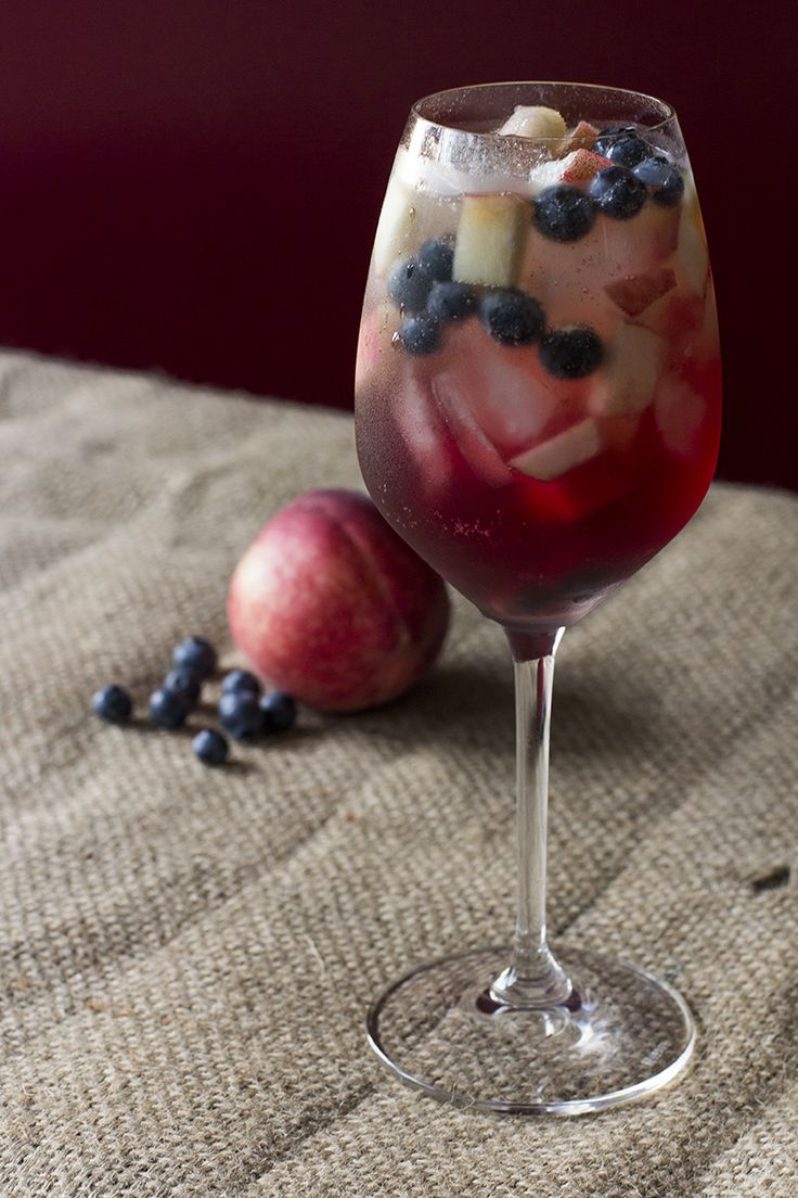 White Peach Sangria with Cava Recipe -1 750 bottle of #BulletinPlace Moscato -¼ cup Brandy or Triple Sec -2-3 tablespoons sugar -3-4 White Peaches -Juice from 1 Lemon