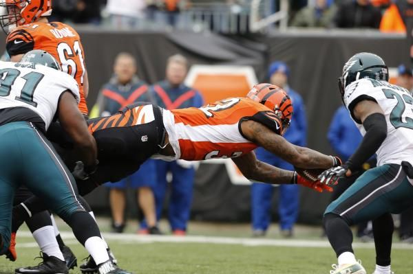 The Sports Xchange NFL Week 17 complete injury report with fantasy football updates of who's out, questionable and doubtful for Sunday and…
