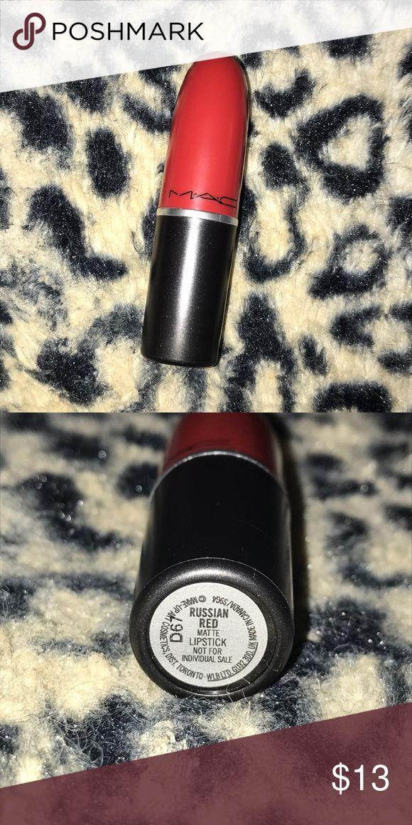 NEW MATT MAC LIPSTICK (Russian Red) Russian red mac